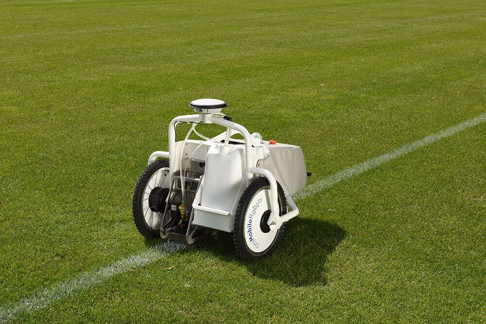 https://tinymobilerobots.com/wp-content/uploads/2018/08/tinylinemarker_paint_football_pitch_1000x600.jpg